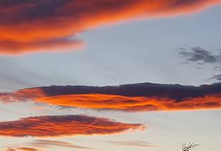 Nuages Nezignan-l'Eveque 34120 Nuages au coucher du soleil