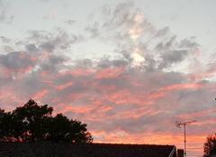 Nuages Saint-Remy-en-Bouzemont-Saint-Genest-et-Isson 51290 Des nuages rosés pour un magnifique coucher de soleil d'été