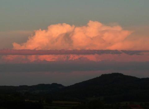 Jeu de nuages dans le Charolais-Brionnais