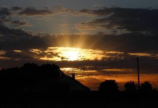 Ciel Bonnemaison 14260 Coucher de soleil ordinaire sur une belle journée