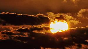Ciel Auxerre 89000 Le soleil se lève