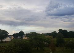 Ciel Cleden-Poher 29270 Debut de matinée instable