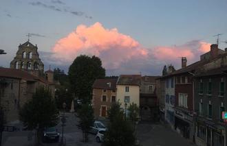 Nuages Beauzac 43590 Gros cumulus au couche du soleil
