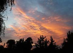 Ciel Messimy-sur-Saone 01480 Lever de soleil dans les nuages