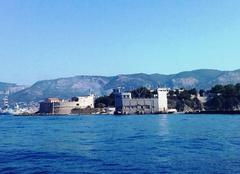 Ciel Toulon 83000 Nuances bleu(s) azur....