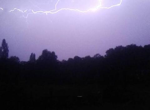 Violent orage électrique