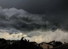 Nuages Saint-Marcel-l'Eclaire 69170 Orage