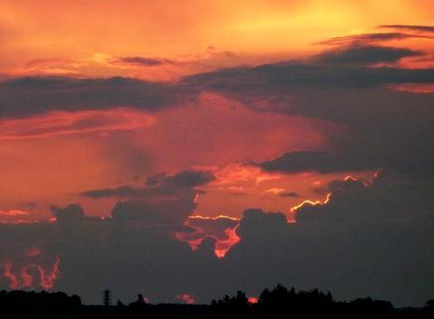 Coucher de soleil sur la campagne beaucerone
