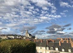 Ciel Blois 41000  Blois ...et les toits et les nuages...
