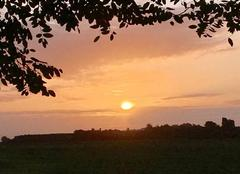 Ciel Mennecy 91540 Le soleil, à son lever