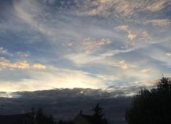Ciel Aulnay-sous-Bois 93600 Quelques touches de couleur au coucher du soleil