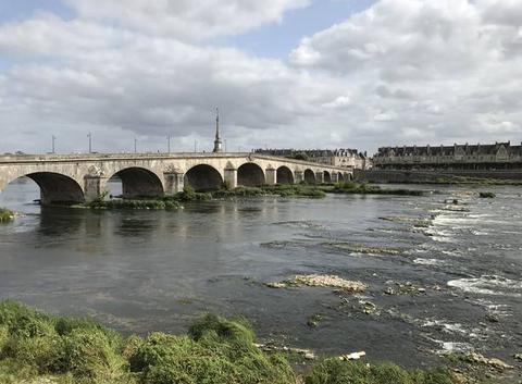 Une éclaircie sur la Loire à mi-journée