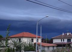 Ciel Saint-Bonnet-de-Mure 69720 Front nuageux sur la région lyonnaise
