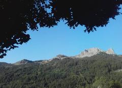 Ciel Reallon 05160 Las aiguilles de Chabrières ( 2403 m ) dans le lassif des Ecrins