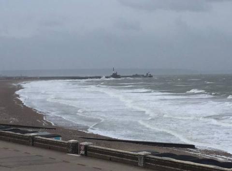 Plage du Havre jour de vent et grisaille