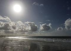 Ciel Saint-Clement-des-Baleines 17590 Le soleil aura t il raison de l orage qui se prépare?
