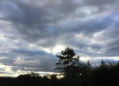 Nuages Mours-Saint-Eusebe 26540 Soleil couchant  sous ciel apocalyptique
