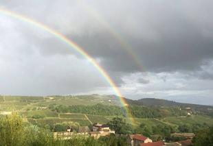 Ciel Chasselas 71570 Arc en ciel sur Chasselas Bourgogne Sud