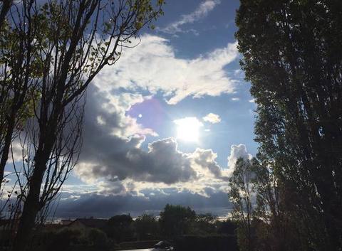 Ouverture sur le soleil en fin d'après-midi