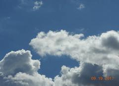 Nuages Nogaret 31540 Affrontement entre deux nuages.
