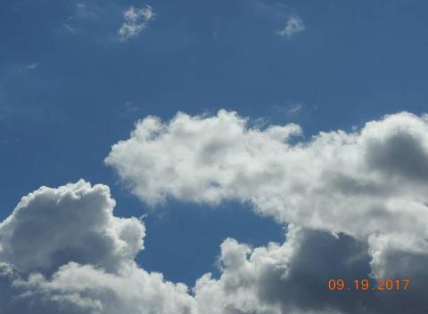 Affrontement entre deux nuages.