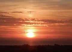 Ciel Saint-Meloir-des-Ondes 35350 Lever de soleil sur la baie du Mt St Michel