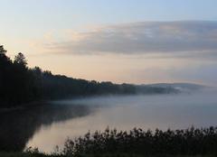 Ciel Montsauche-les-Settons 58230 Lever du jour automnal sur le lac des Settons
