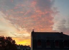 Ciel Reims 51100 Reims se réveille paisiblement