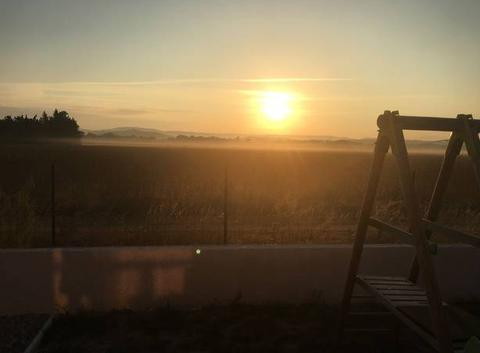 Levée soleil et brume au sol