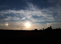 Ciel Charolles 71120 Parenthèse céleste au crépuscule - Charolles 71