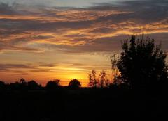 Ciel Messimy-sur-Saone 01480 Lever de soleil... avant l'arrivée de la pluie