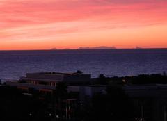 Ciel Villeneuve-Loubet 06270 Lever soleil et vue sur la Corse ce matin à Villeneuve-Loubet plage