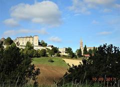 Insolite Nogaret 31540 Village fortifié du Lauragais.
