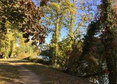 Ciel Romans-sur-Isere 26100 Sentier en automne,  en bord d'Isère