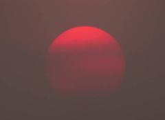 Ciel Niort 79000 Coucher de soleil dans un ciel fortement voilé