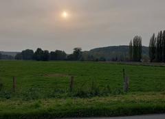 Ciel Hondouville 27400 Soleil caché par le nuage de fumée du Portugal