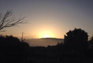Ciel Mascaraas-Haron 64330 Lever de soleil avant la chaleur d'automne