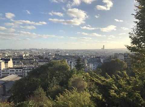 Soirée ventée à Montmartre