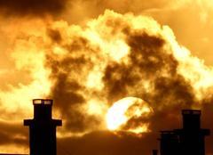 Ciel Niort 79000 Coucher de soleil dorée