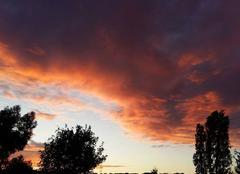 Ciel Rosny-sous-Bois 93110 Coucher de soleil enflammé