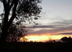 Ciel Caylus 82160 Coucher de soleil dans la campagne