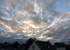 Ciel Plouha 22580 De belles couleurs de nuages dans le ciel ce matin