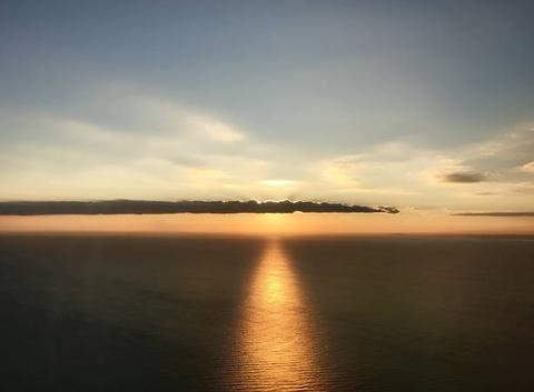 Coucher de soleil sur la plage de Carbon. Prise d'avion