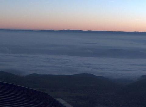 Clermont-Ferrand sous la mer de nuages