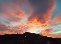 Ciel Cadaqués 17488 Couché de soleil sur les montagnes cadaques Espagne
