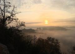 Brouillard Castelnau-de-Montmiral 81140 Brume de l?aube à Castelnau