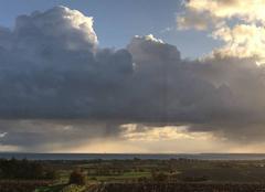 Ciel Saint-Meloir-des-Ondes 35350 Belles éclaircies sur la baie du Mt St Michel