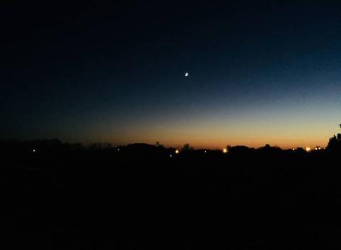 Quand la nuit tombe à Jaux