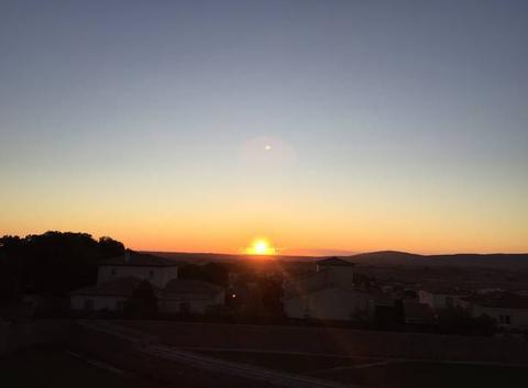 Le soleil se lève à Pignan