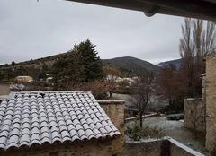 Neige Le Pegue 26770 Maigre neige pour une fin d'automne  ...